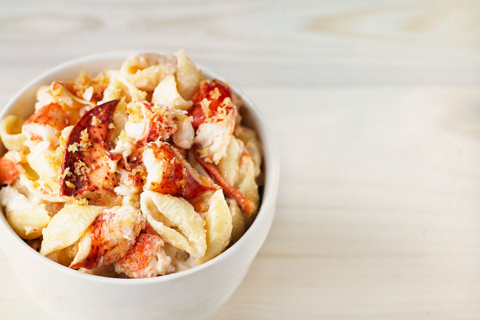 lobster-mac-and-cheese-left